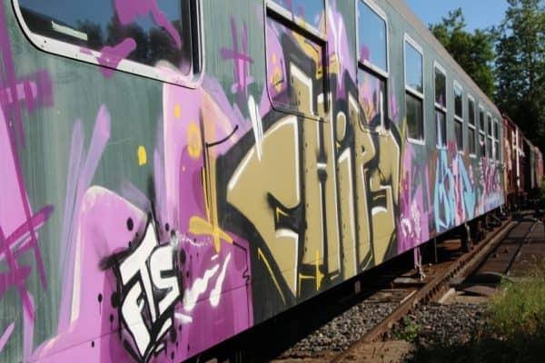 grafiti gerbong kereta