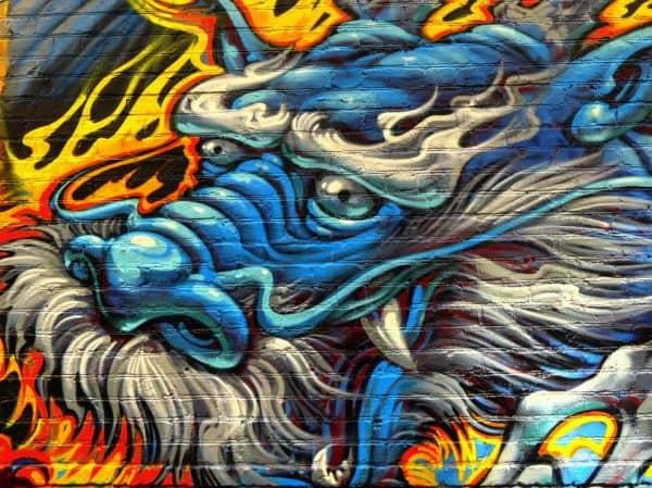 grafiti kepala naga